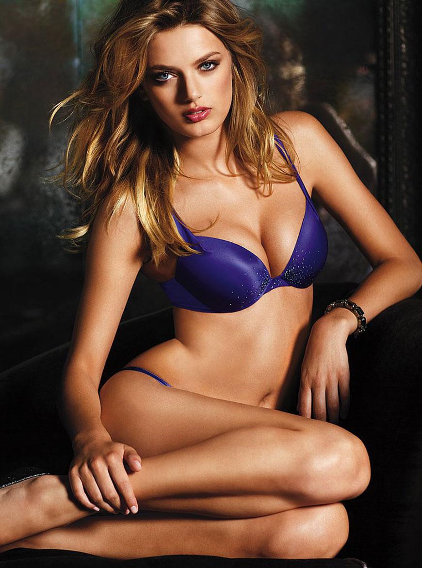 Bregje Heinen in lingerie (1)