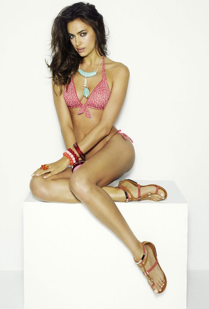Irina Shayk sexy in bikini (15)