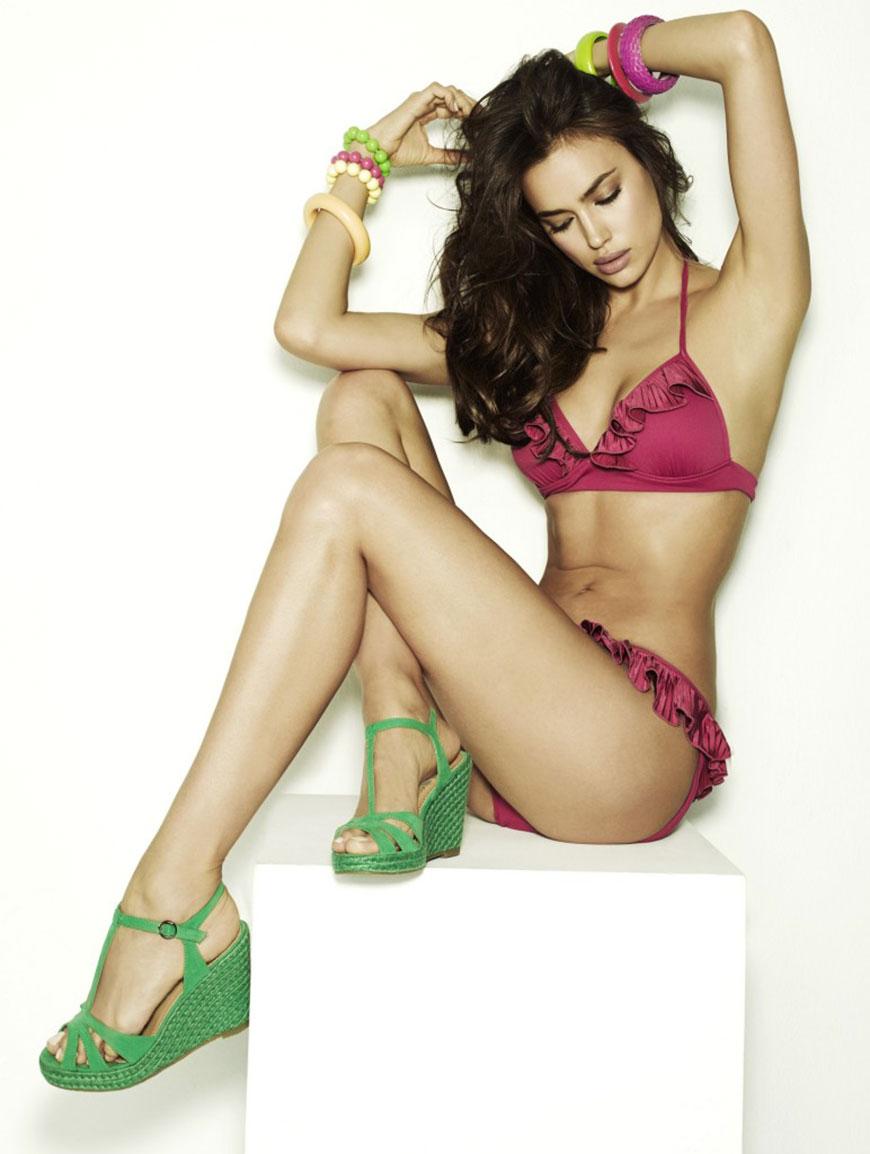 Irina Shayk sexy in bikini (12)