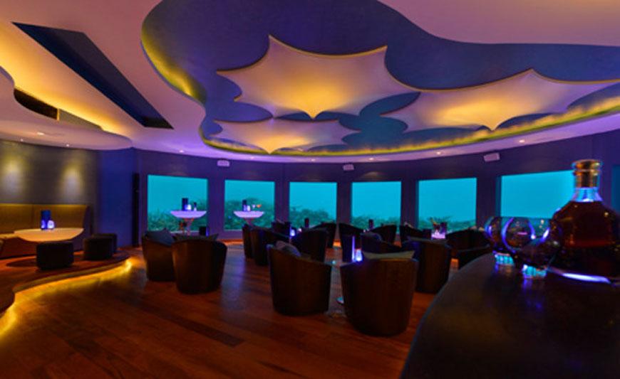 's Werelds eerste onderwater bar (2)