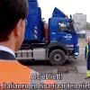 Mark Rutte in gesprek met vuilnisophaler