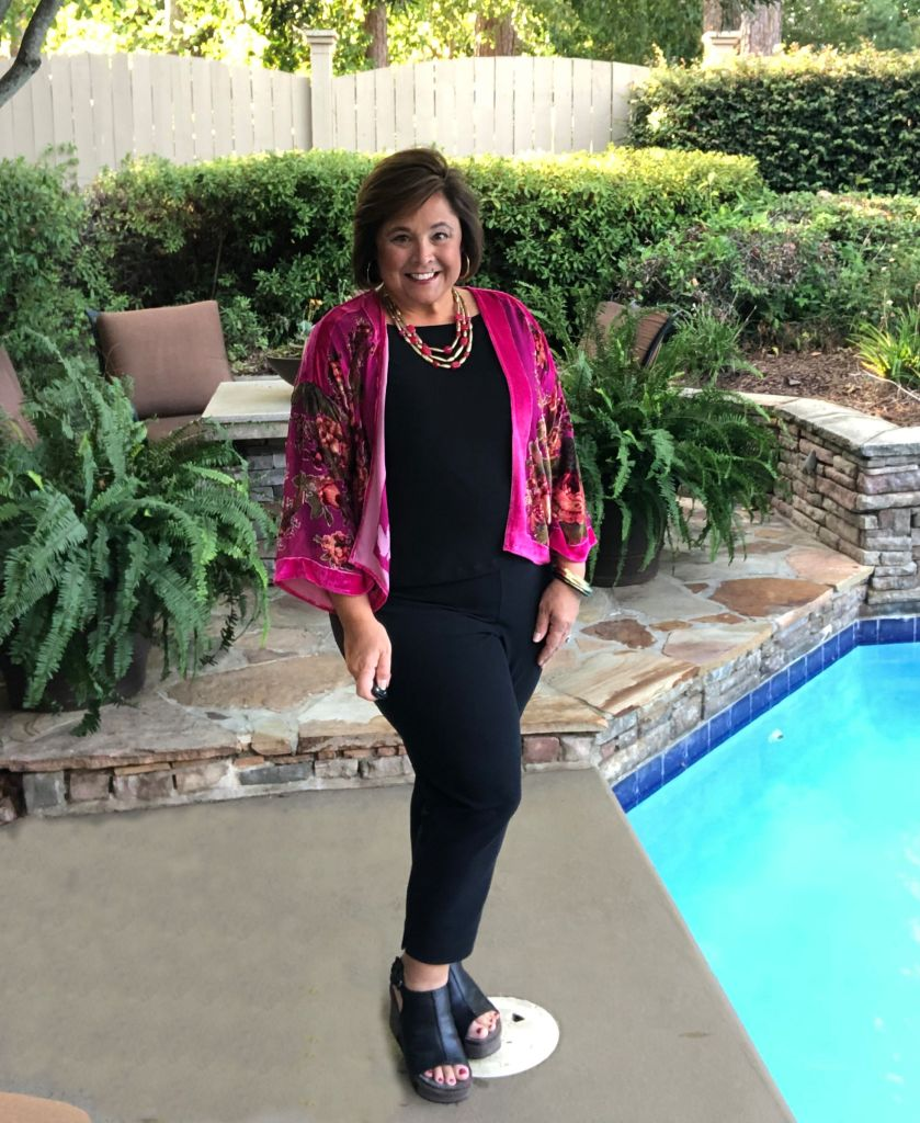 velvet toppers for fall add elegance to simple outfit