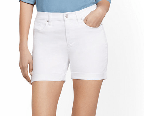 Picking The Perfect Pair Of White Shorts For Pears
