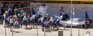 Massa, Williams Martini tyre change