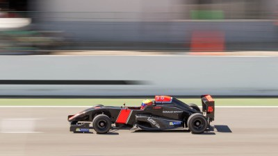 Formula Renault Sport, heads down the main straight, Circuito del Jarama
