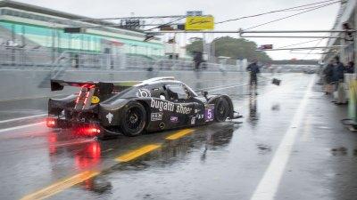 Ligier JSP3 in pit lane