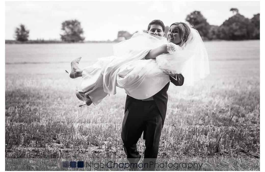 Lains Barn Wedding – Louise & Luke