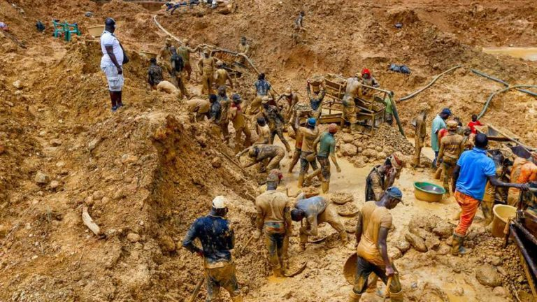 Illegal mining, 6 dead, others injured