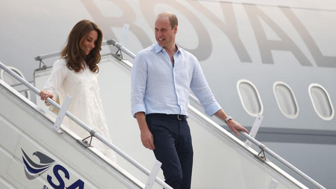 Storm forces Prince William, Kate's plane to abort landing in Pakistan