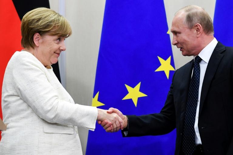 Libya: Merkel, Putin call for de-escalation at Kremlin talks