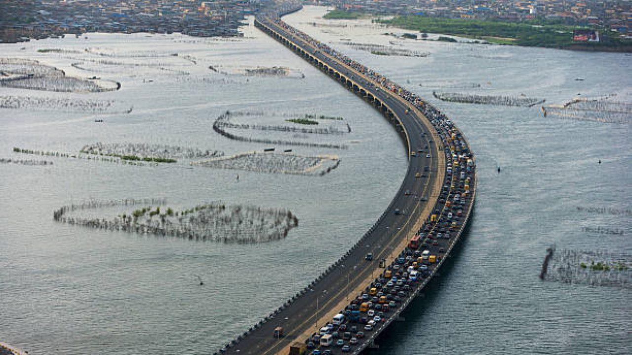 Third Mainland bridge closure: NIWA deploys floating jetties to ease commuter pains.