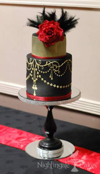 gold chandelier cake