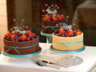 chocolate fruit wedding cake
