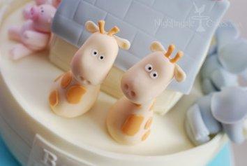 giraffes-noahs-ark-cake