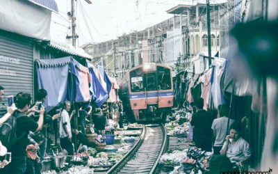 Zugmarkt Thailand Maeklong Eisenbahnmarkt Bangkok