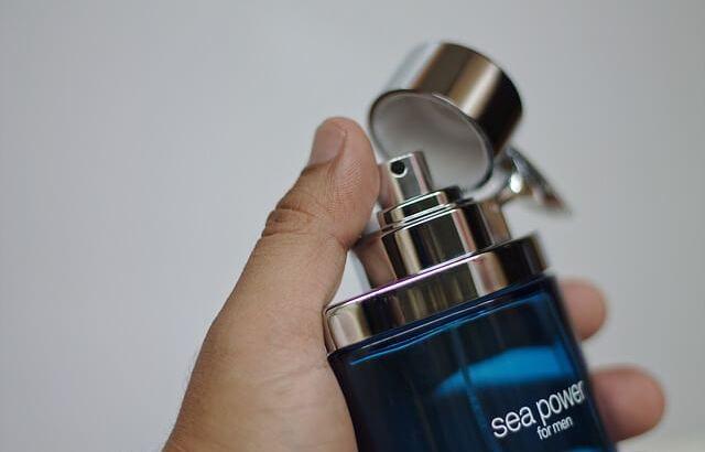 【女子ウケ抜群】男性のモテる香りとは?おすすめの香水&柔軟剤を厳選紹介