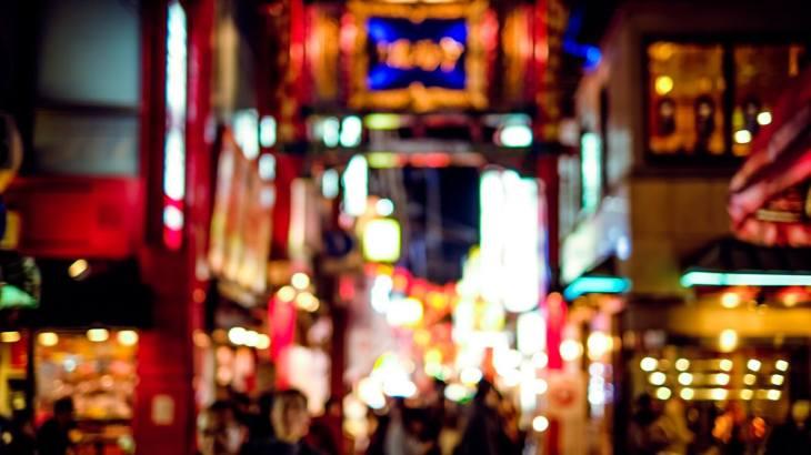 横浜には安いだけでなくおすすめのガールズバーが多い!可愛い女の子揃いの5店