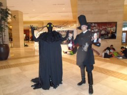 The Beast and the Woodsman (Over the Garden Wall) cosplayers