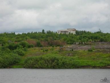 Заброшенный Дворец Культуры в окрестностях Игарки