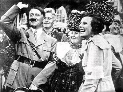 leni-riefenstahl-und-hitler