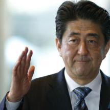 Japans Regierungschef Abe wiedergewählt