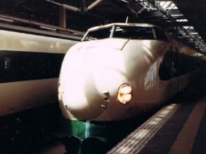 新幹線あさひ号200系