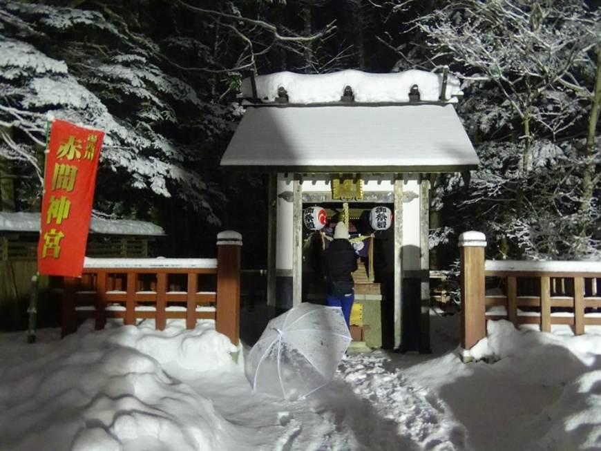sanctuaire-sous-la-neige