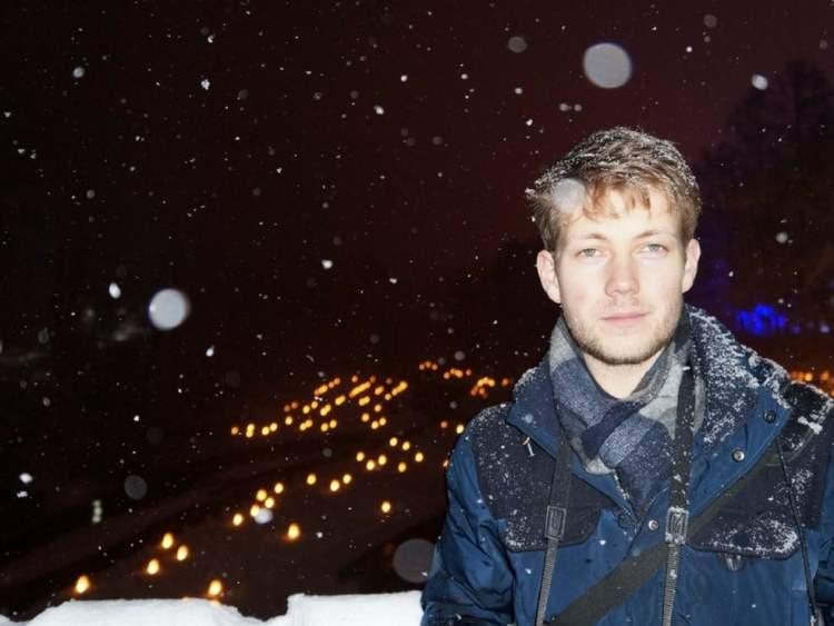 nihonkara-alex-sous-la-neige