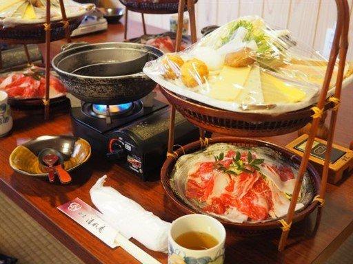 Un sukiyaki au mochi