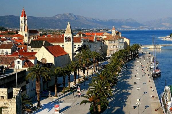 trogir-dalmatia-croatia-town-island-beautful-summer-vacation-riviera_Fotor