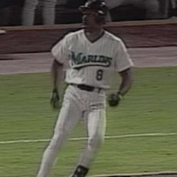 Andre Dawsons final big league hit - Andre Dawson's final big league hit