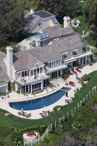 Barbra Streisand's Malibu house 2-2007
