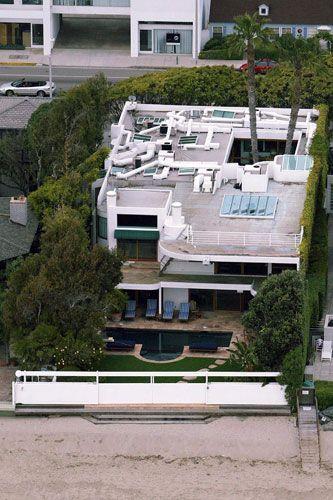 Bruce Willis' sprawling Malibu pad 2004