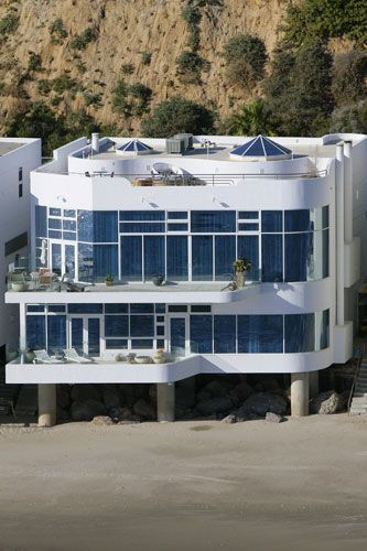 Halle Berry's home 2006
