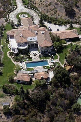 Jamie Foxx's beautiful manor in Hidden Valley 2007