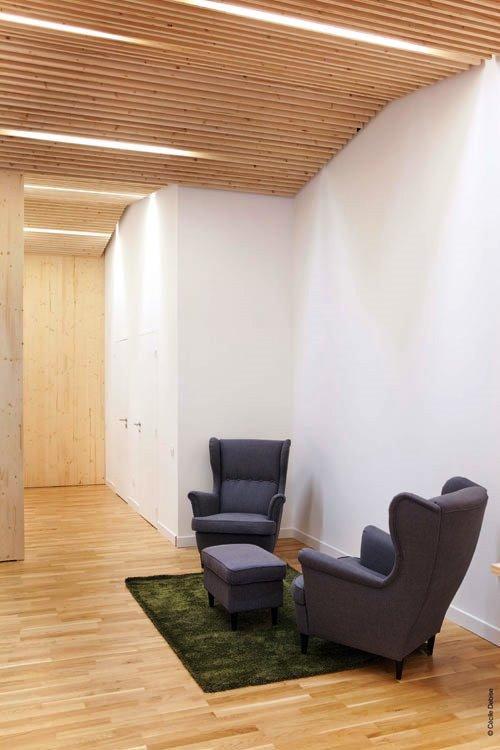 Kontraktor Karawang Jasa Perawatan Gedung dan Kantor - Clean modern office - michael menuet-5