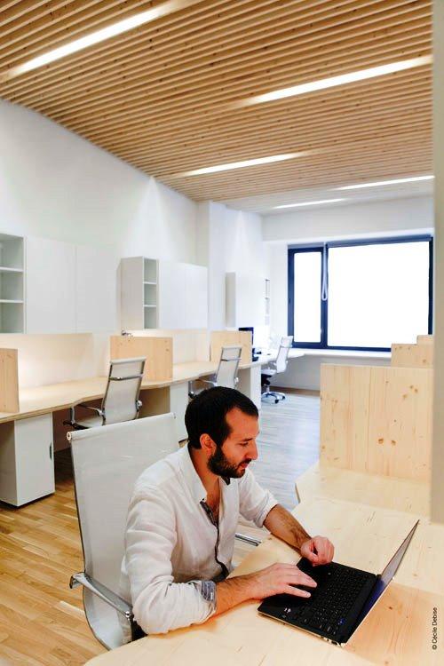 Kontraktor Karawang Jasa Perawatan Gedung dan Kantor - Clean modern office - michael menuet-8