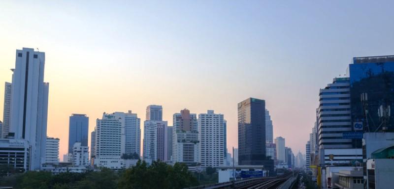 Gedung Berdampak buruk bagi lingkungan, kota Bangkok, Foto oleh: Anton_Strogonoff