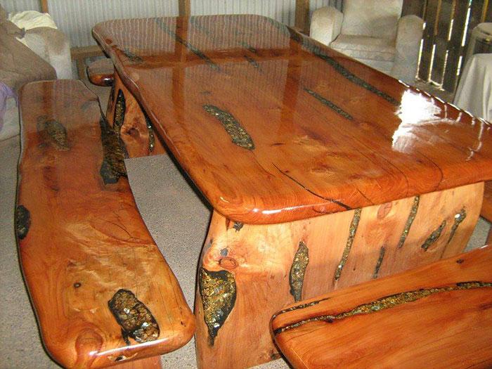 Desain Meja Interior