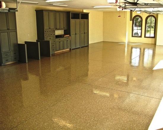 garage-floors-flake-broadcast