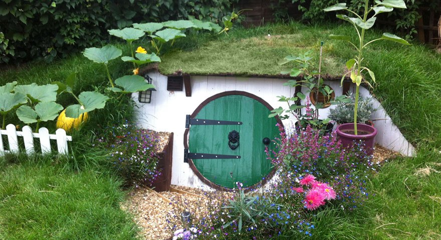 Several steps and Pics about How to Make Your Own Hobbit House