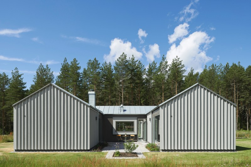 Residential Projects with Metal Facades and Structures