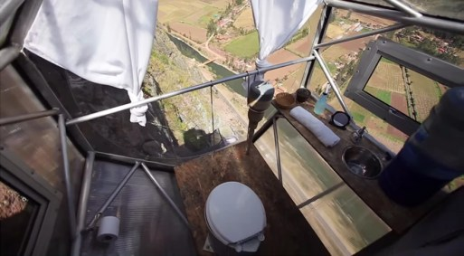 400-feet Sleeping Capsules over Peru's Sacred Valley