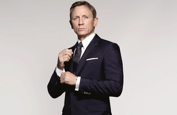 James-Bond-Spectre-Navy-Blue-Suit-photoshoot