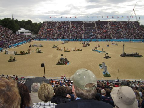 Team equestrian jumping event