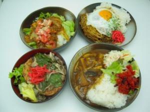 ゴロゴロ野菜カレー/ふわとろつくね丼/焼きソバ定食/タコライス