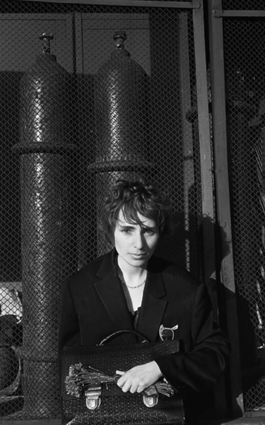 Мария Машкова Позирует Перед Фотографом – Одержимый (2009)