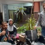 «التضامن الاجتماعي» تسلم الشاب عمرو كرسي متحرك كهرباء