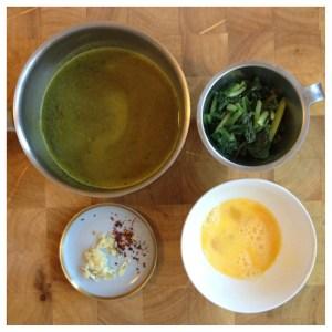 """""""Egg drop soup"""" med spenat"""