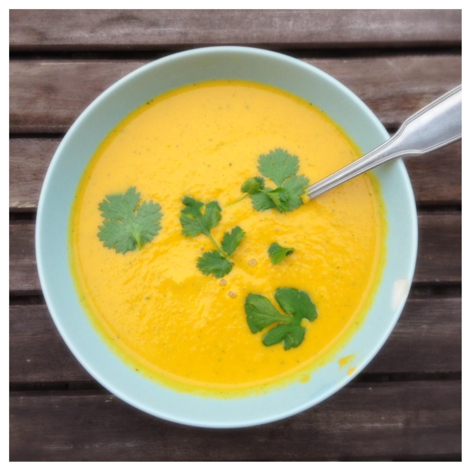 morotssoppa med ingefära och kokosmjölk